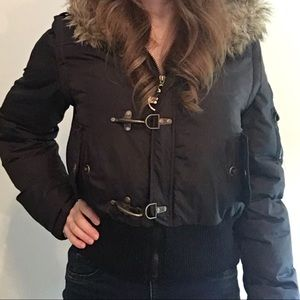 Great winter jacket with removable sleeves | DKNY